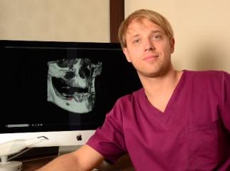 Skaitmeninės technologijos – sėkmingam  dantų implantavimui